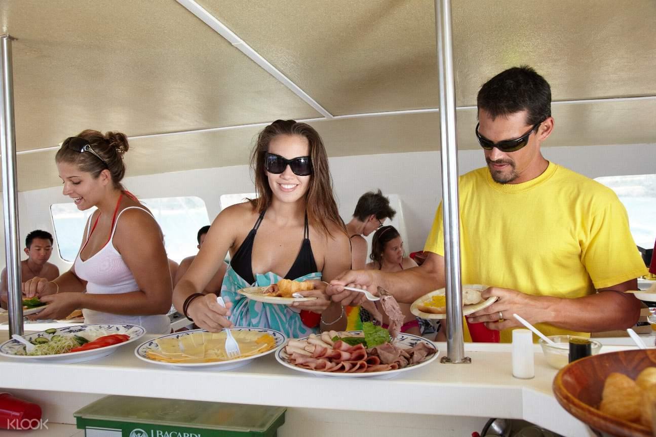 夏威夷觀海龜,歐胡島浮潛,歐胡島帆船出海,歐胡島帆船,夏威夷帆船,歐胡島水上活動