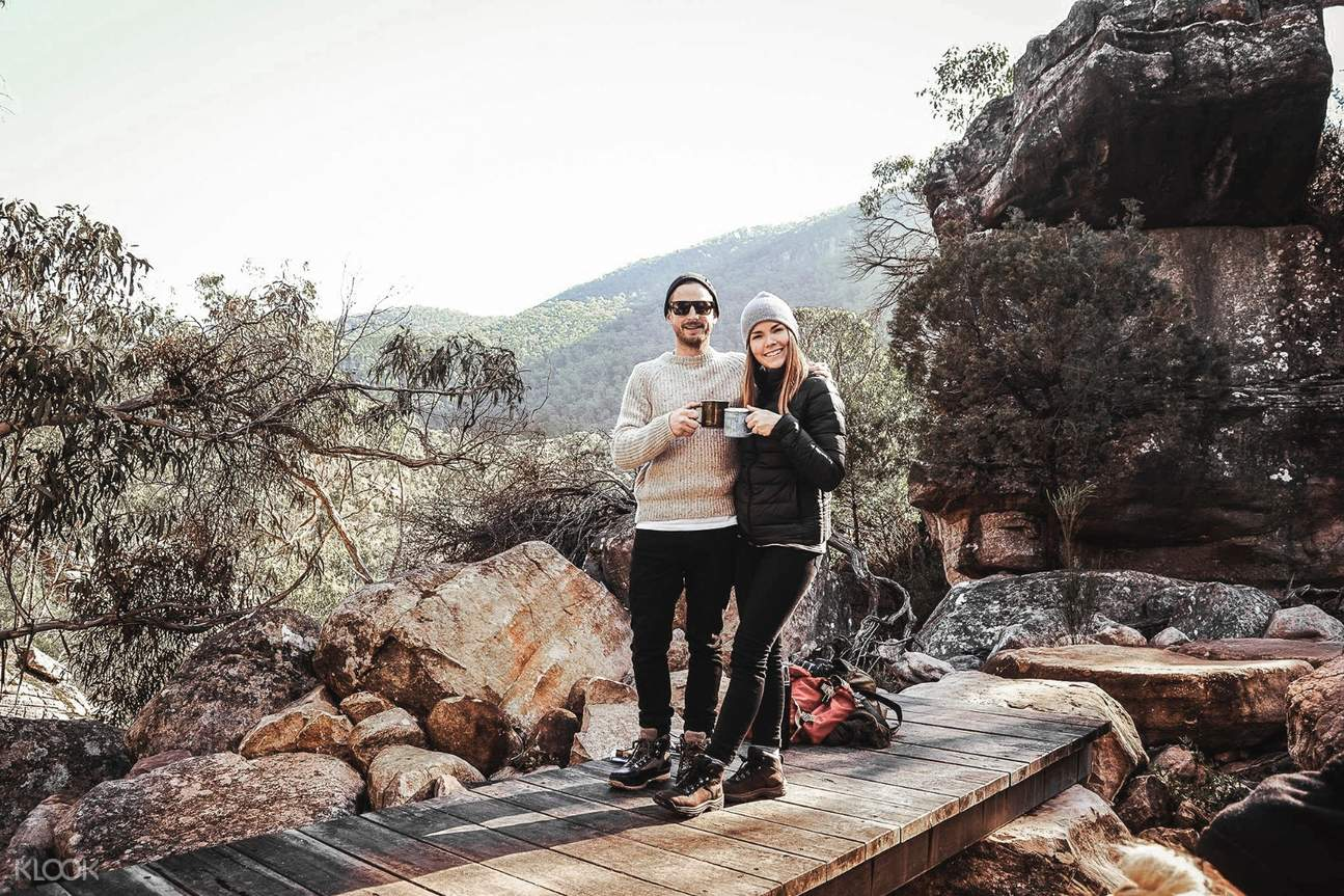 couple having coffee and tea at Grampians National Park