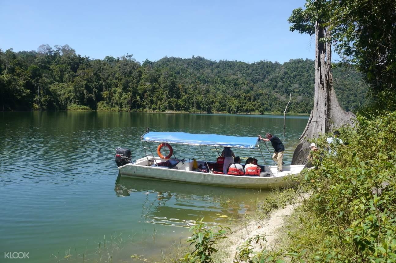 天孟莪湖游船