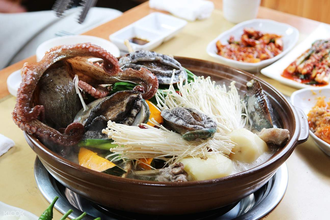 Seafood soup jejuhallasung