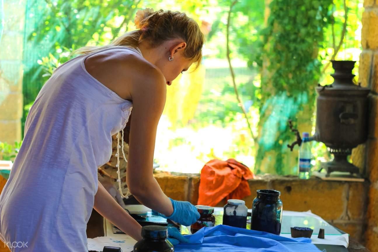 bali batik dyeing