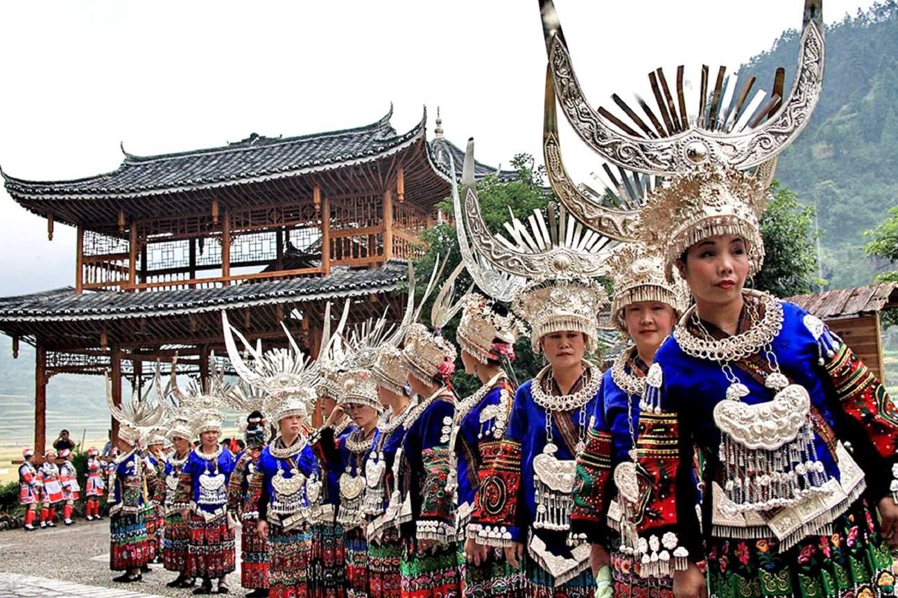 西江千户苗寨门票,全世界最大的苗族聚居村寨,贵阳市区往返西江千户苗寨