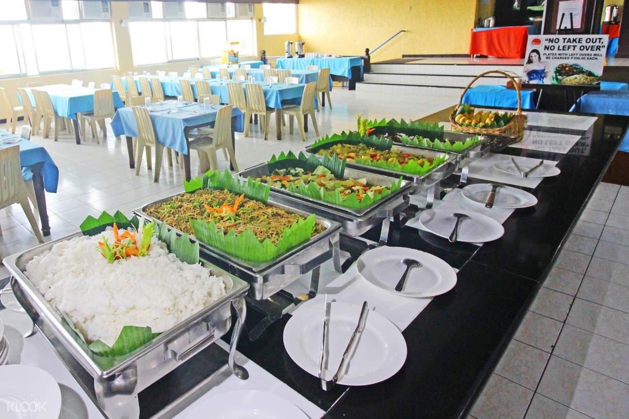 caliraya resort club buffet lunch