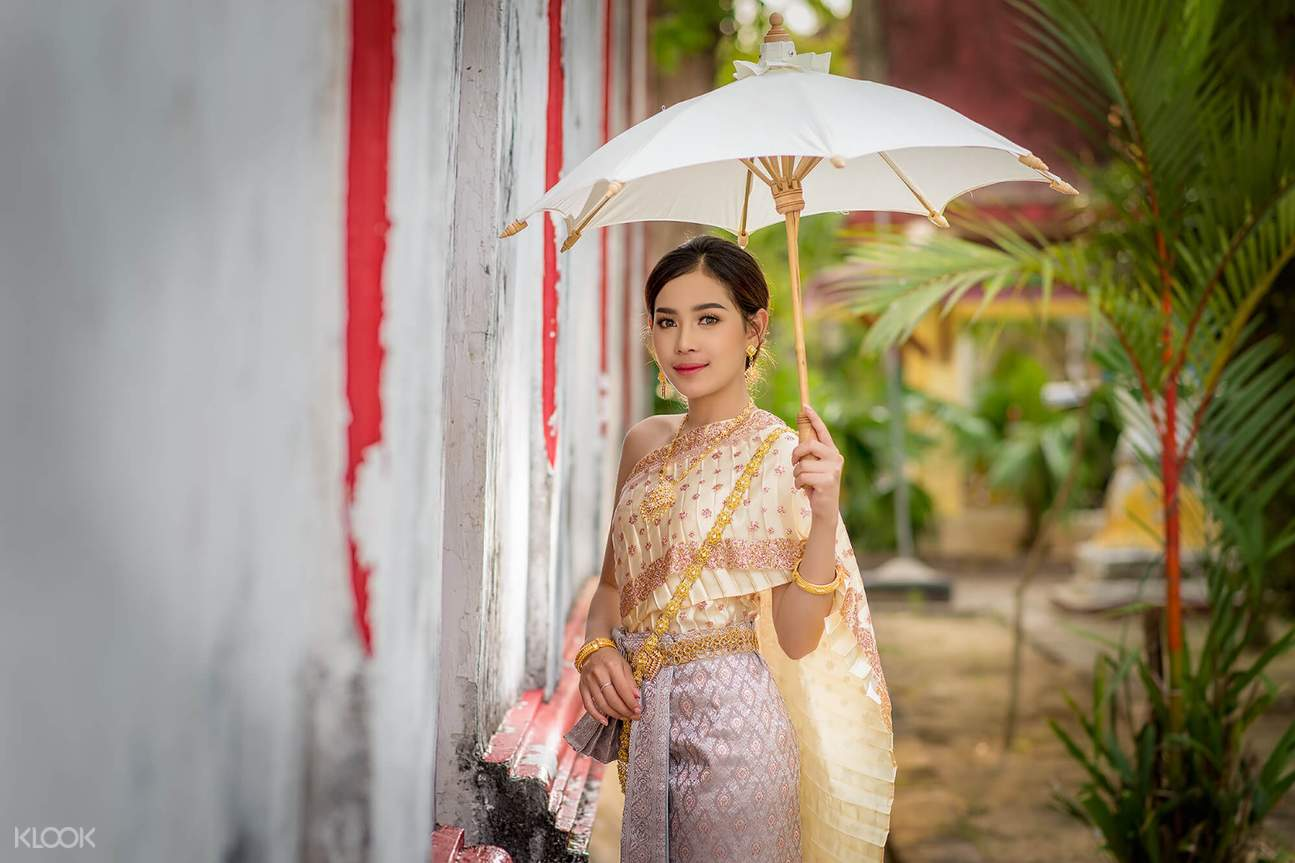 thai costume photography