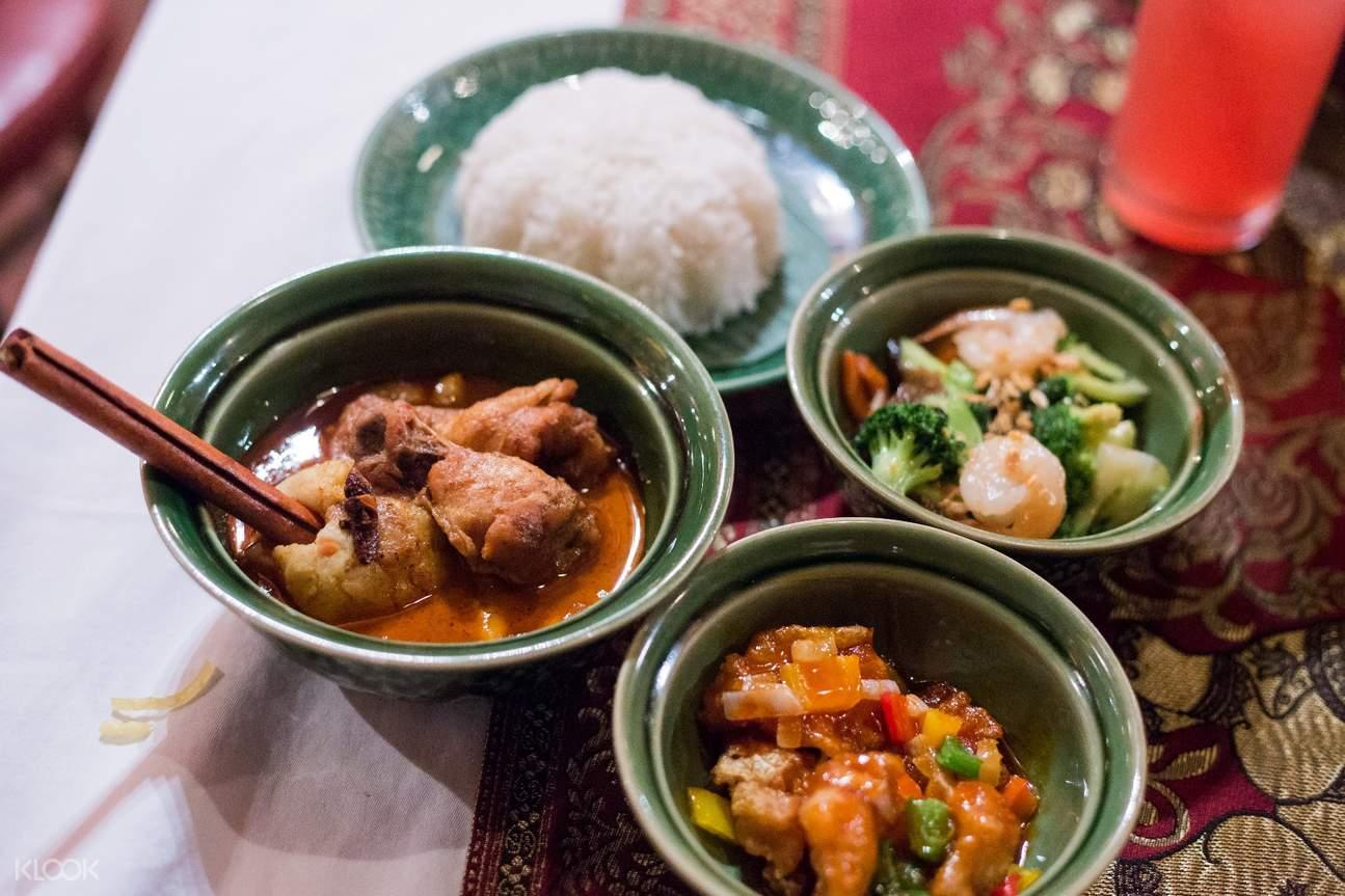 Authentic Thai cuisine at Wan Fah Restaurant & Cruise