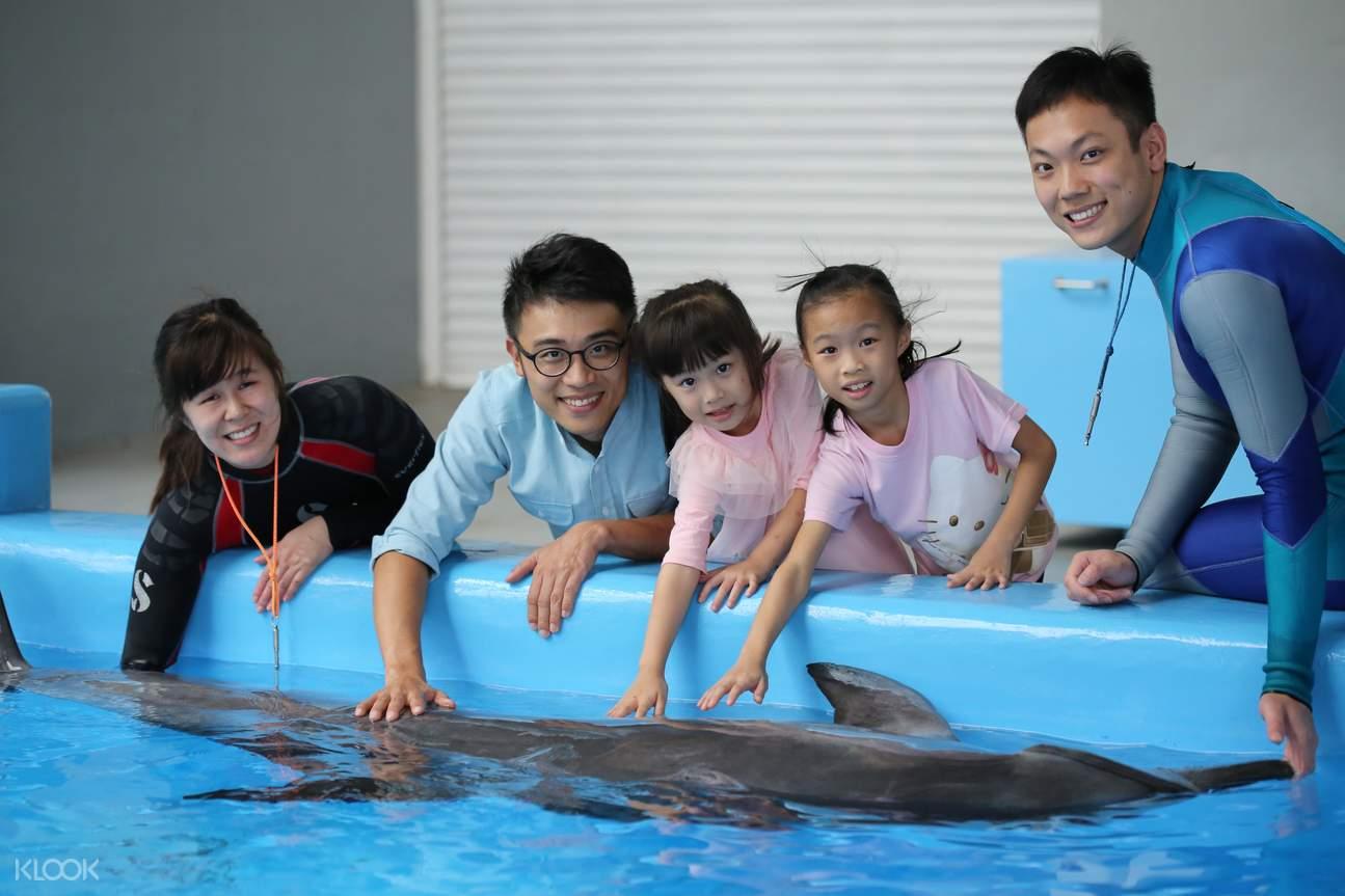 香港海洋公園海豚親密接觸體驗