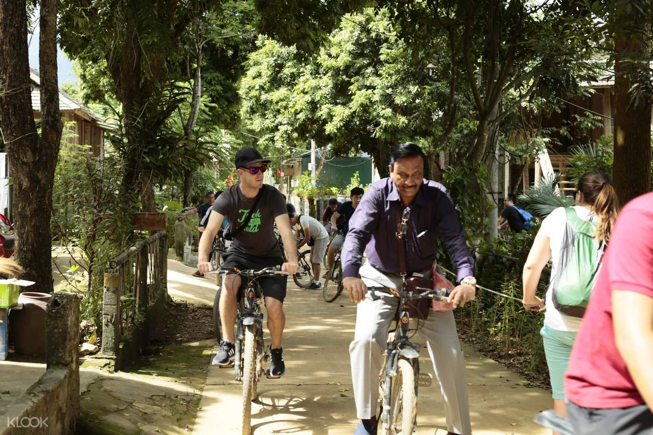 Cycling Around the Village Mai Chau and Na Phon Village Day Tour by Bus from Hanoi