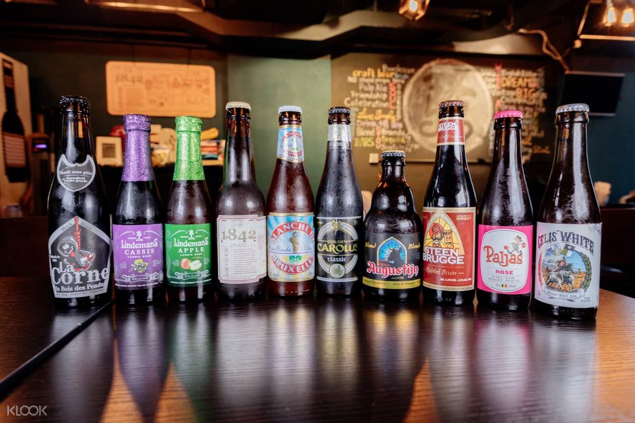 來自不同國家的各種精釀啤酒