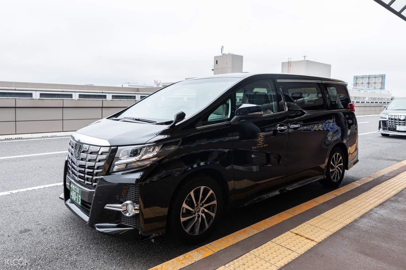 7 seater vehicle exterior