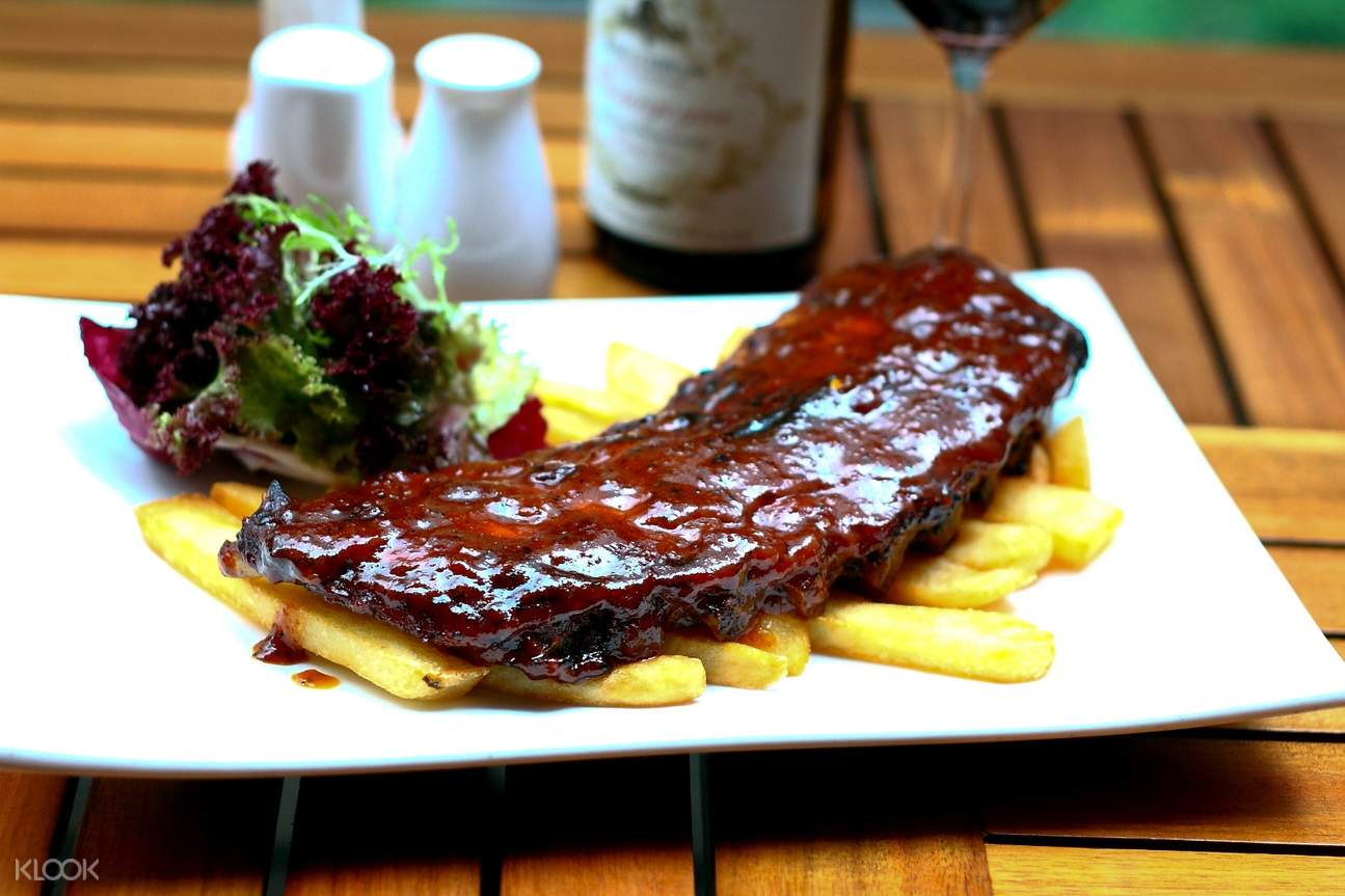 Finger-licking BBQ Ribs at The Trafalgar Brewing Company in Mong Kok