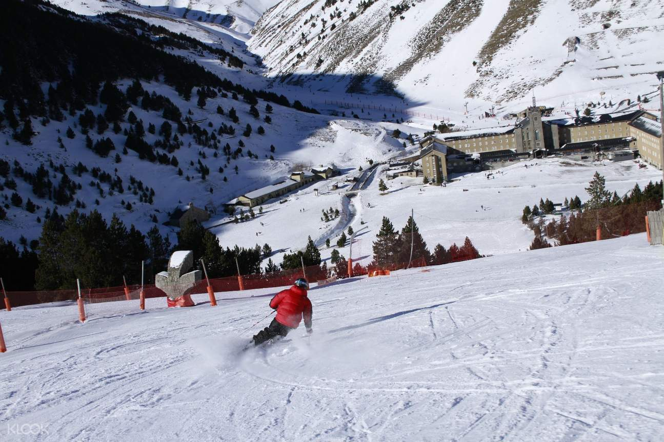 西班牙滑雪,比利牛斯山滑雪,努里亚山谷,巴塞罗那到比利牛斯山