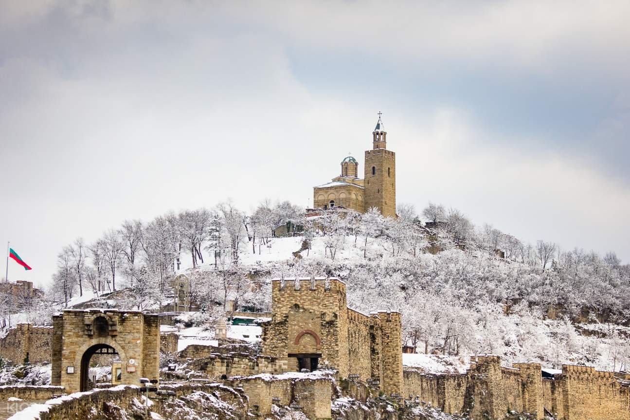 Tsaravets Fortress covered in white snow