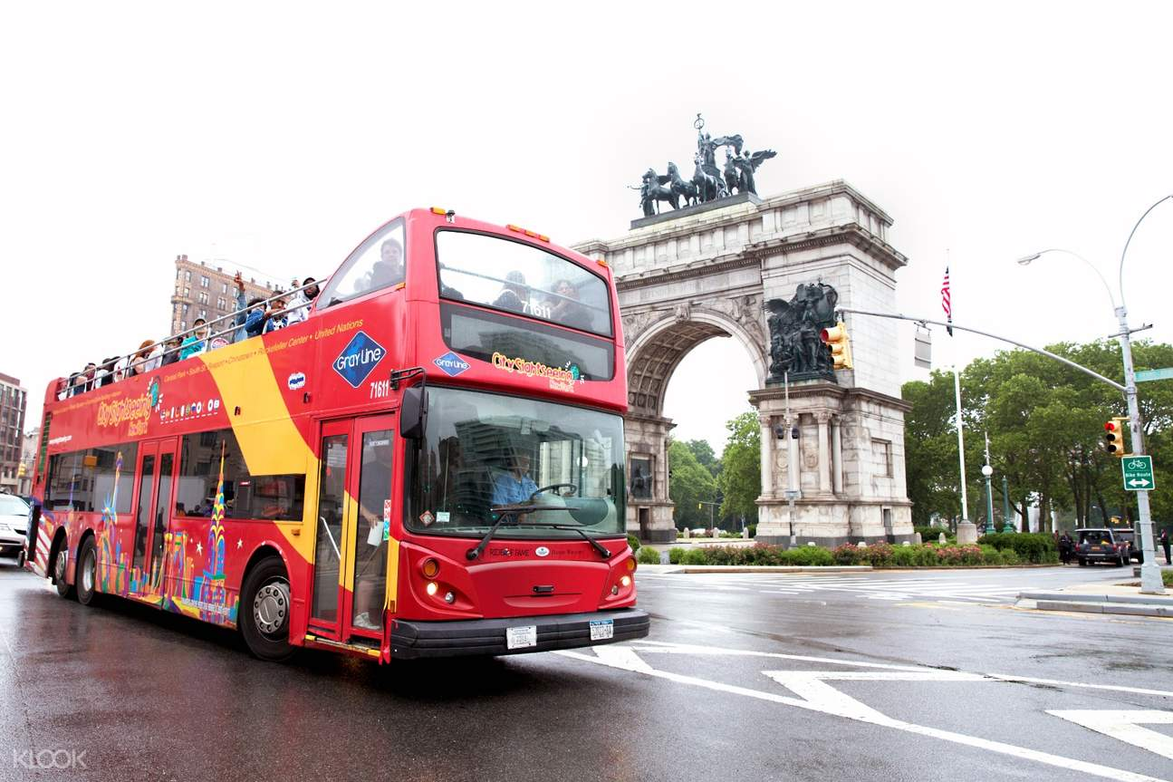 sightseeing double decker bus