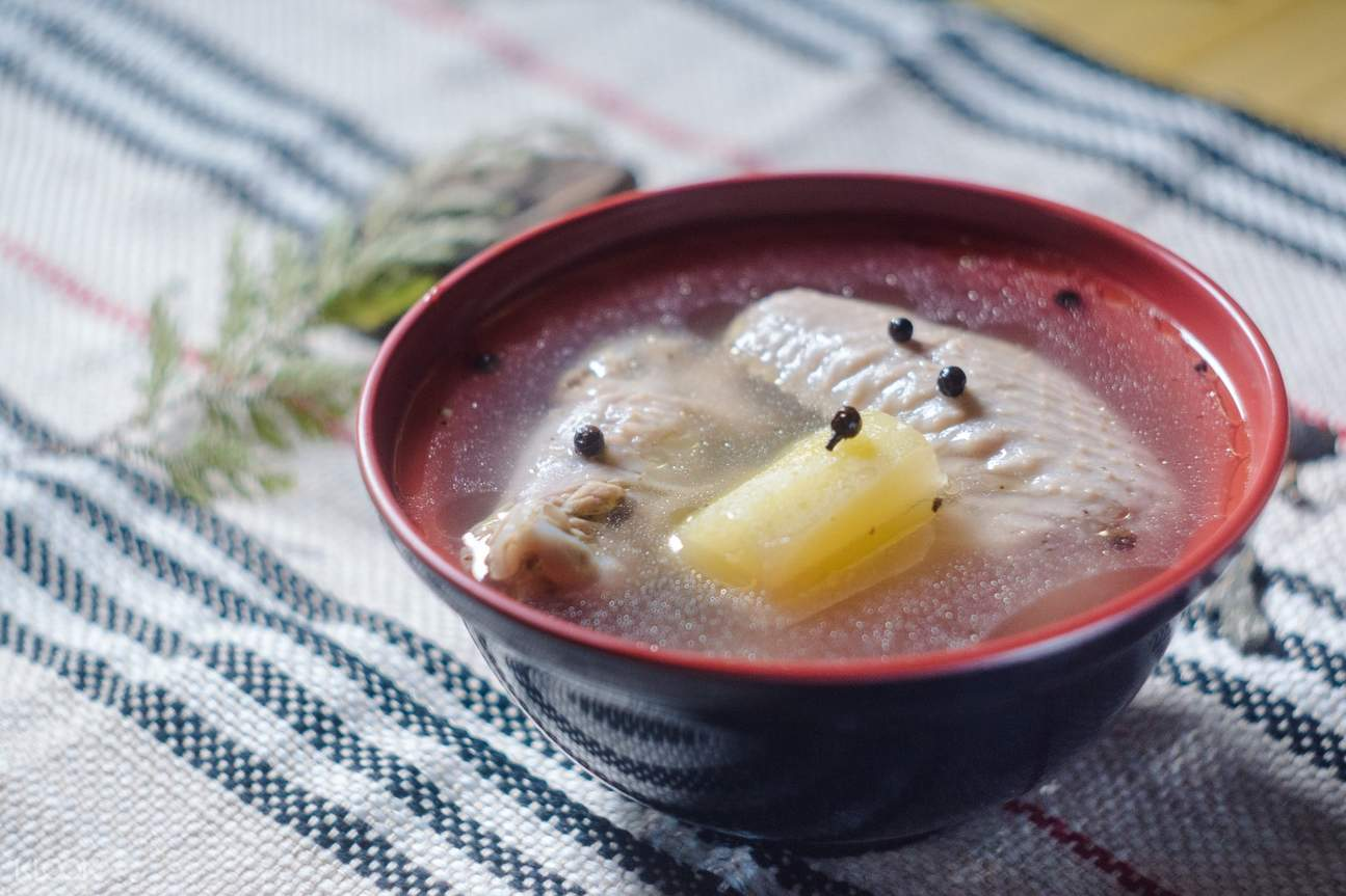 Chicken Soup with Green Papaya at Taiyapopo in Wulai District
