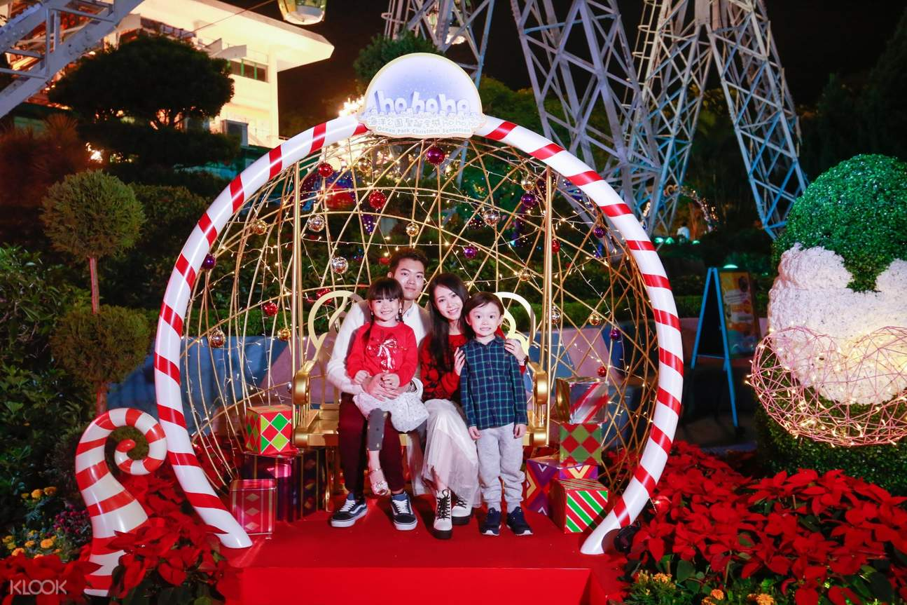family photo ocean park christmas