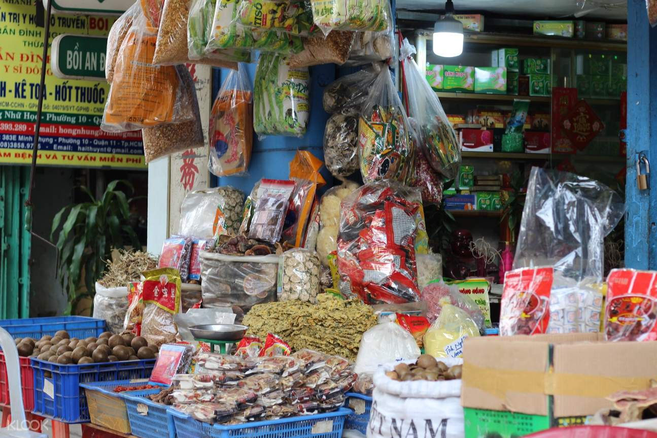 chinese medicine market in saigon