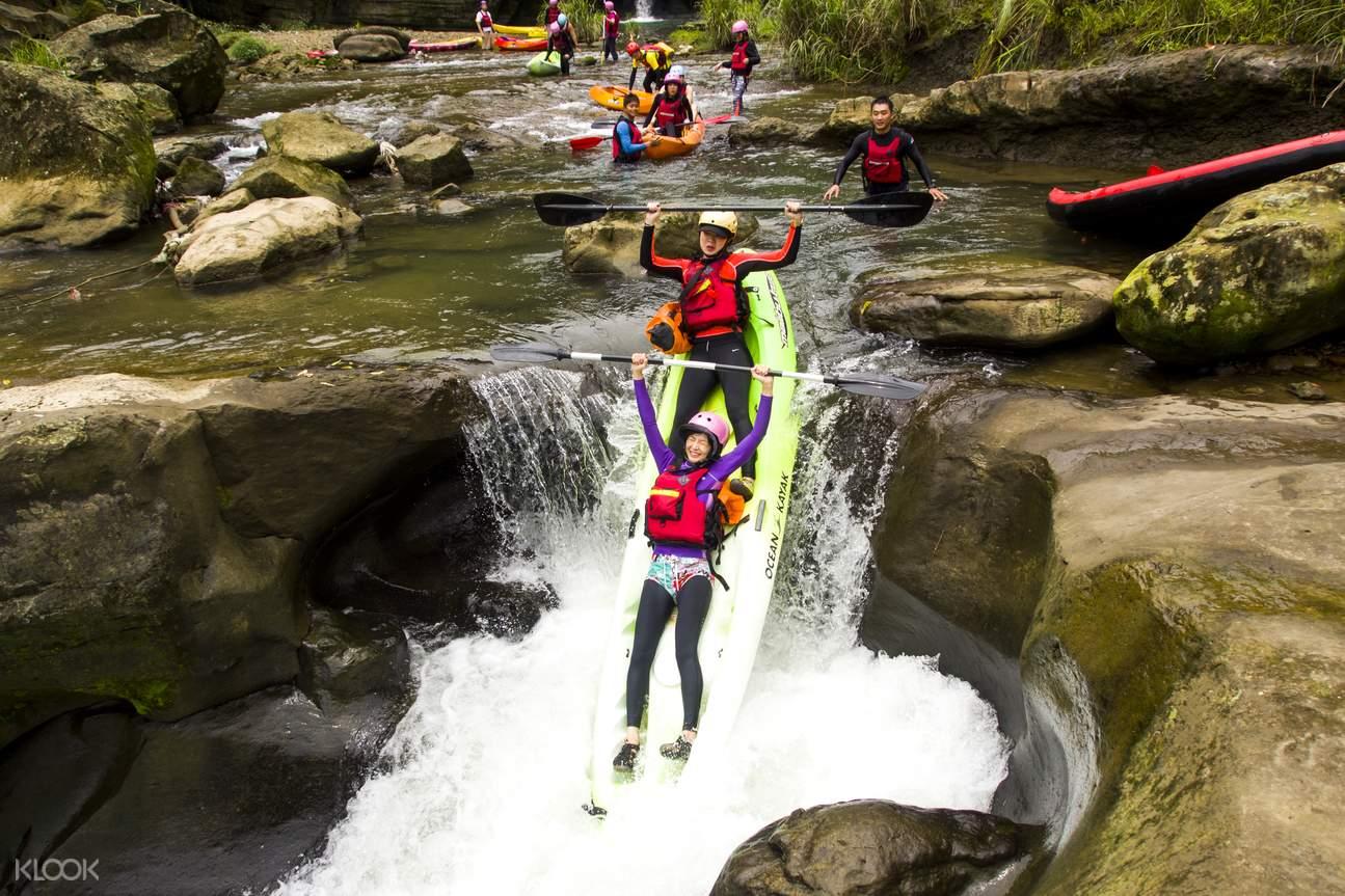平溪嶺腳瀑布獨木舟祕境探險