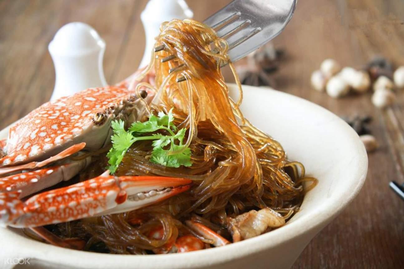 crab and glass noodle casserole stella palace restaurant baiyoke sky hotel bangkok