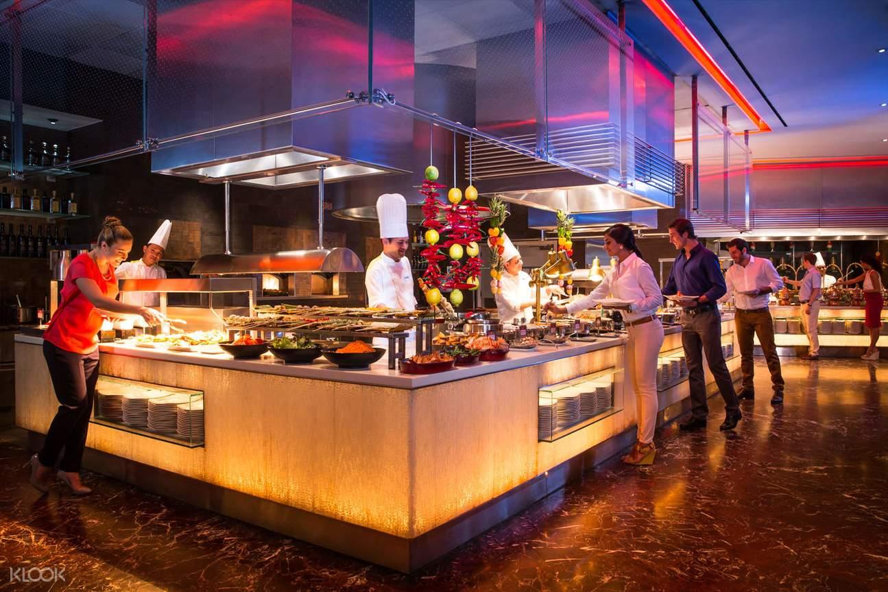 Saffron Buffet Restaurant in Atlantis the Palm