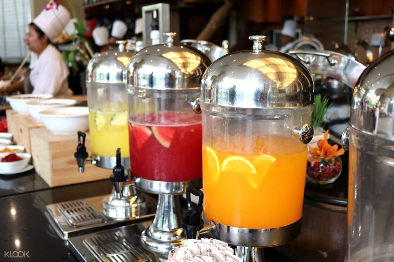 曼谷苏坤逸大饭店Café de Nimes周日早午餐