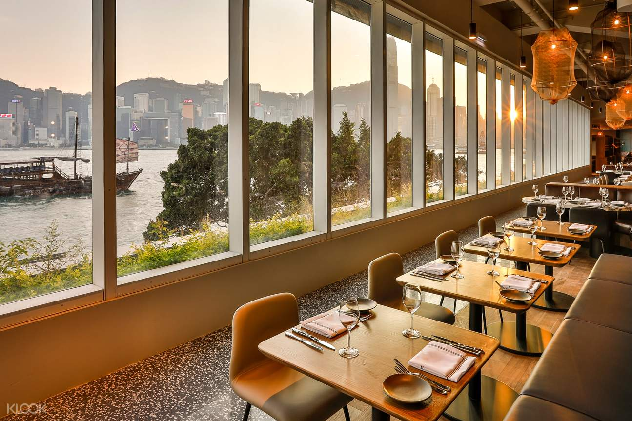 Hue 餐廳的湖邊風景