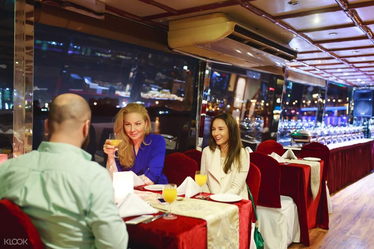 迪拜獨桅帆船晚餐巡航之旅