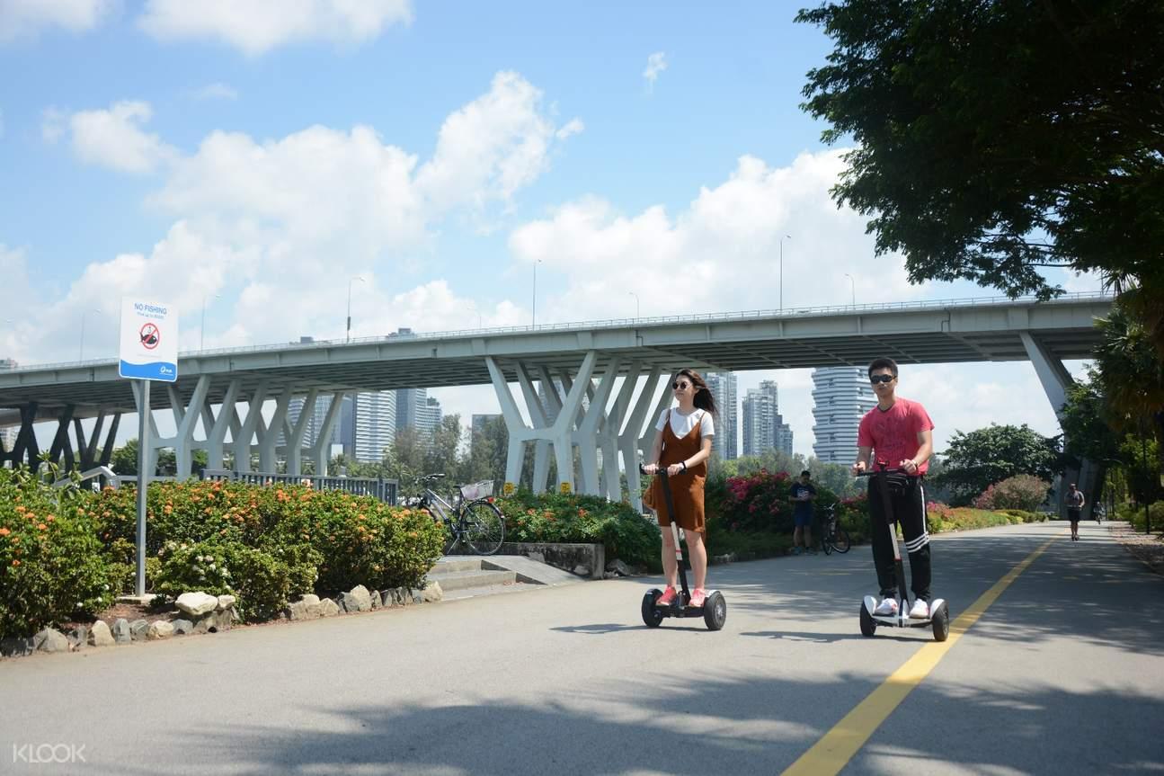 平衡車遊覽marina海灣