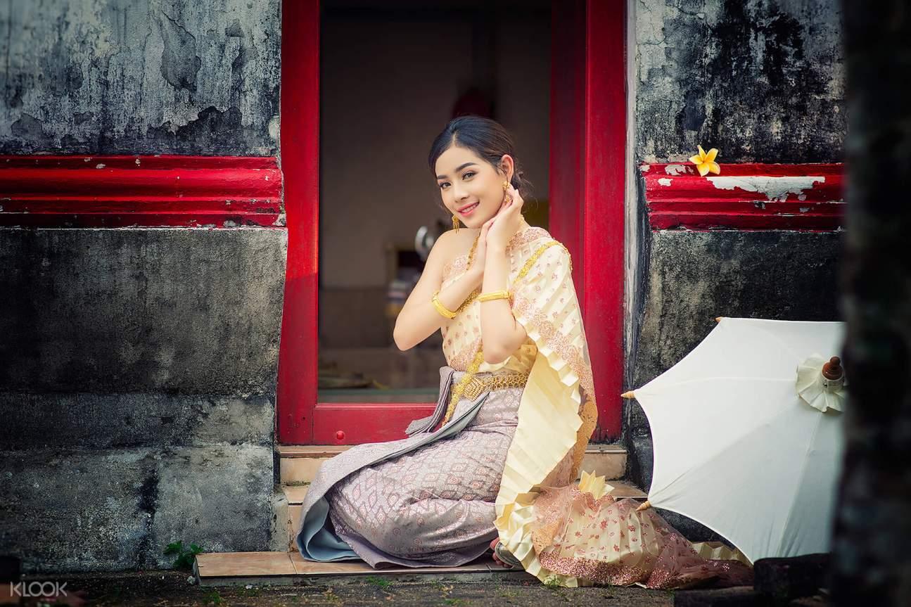 thai costume phuket