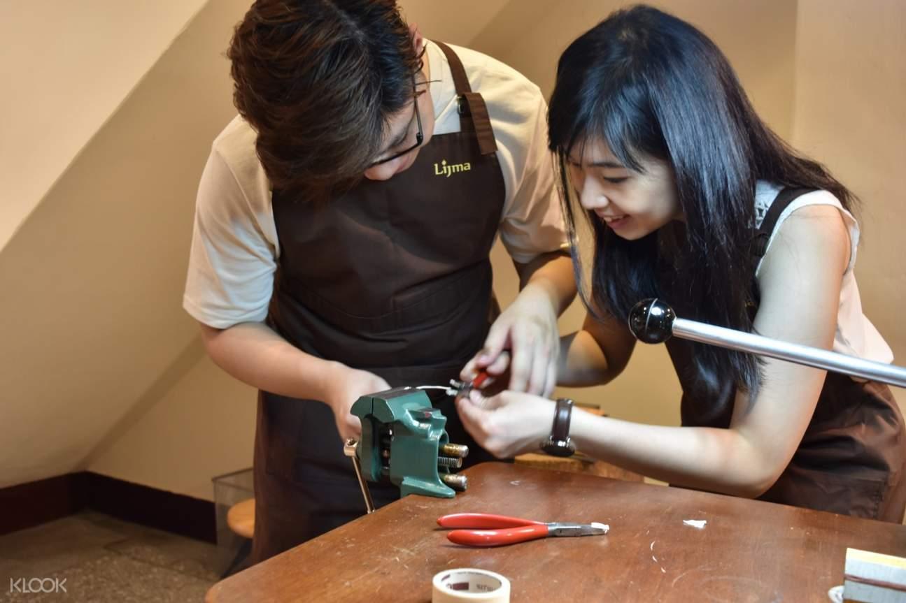 師資專業、親切富耐心,可依學員的需求教學指導