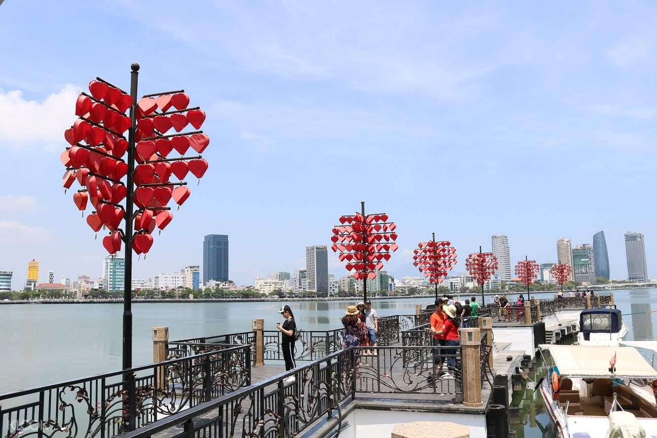 love lock bridge da nang city tour aodai rider