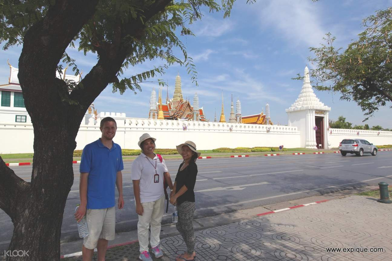 The Rattanakosin Story Walking Tour