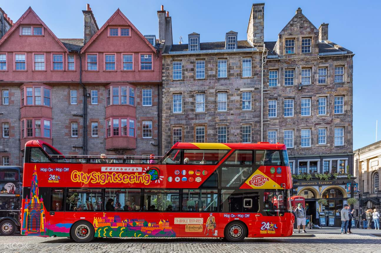 Edinburgh sightseeing bus