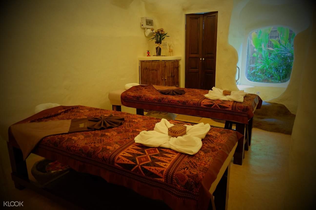 Srimantra Spa massage room