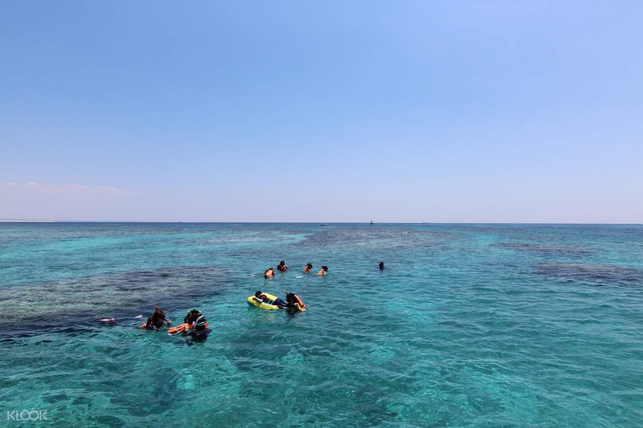 沖繩無人島海水浴一日遊