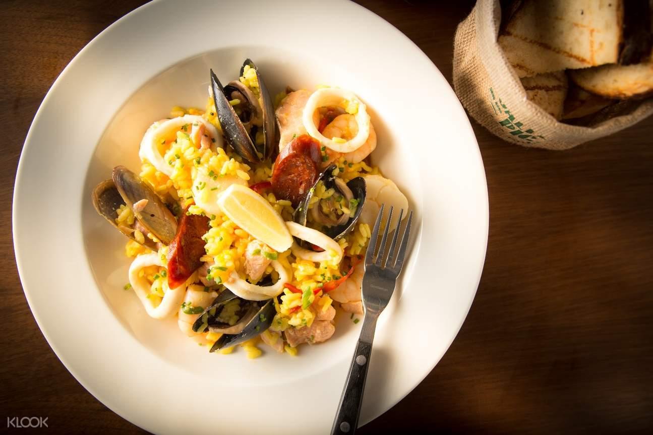 seafood paella the salted pig tsim sha tsui hong kong