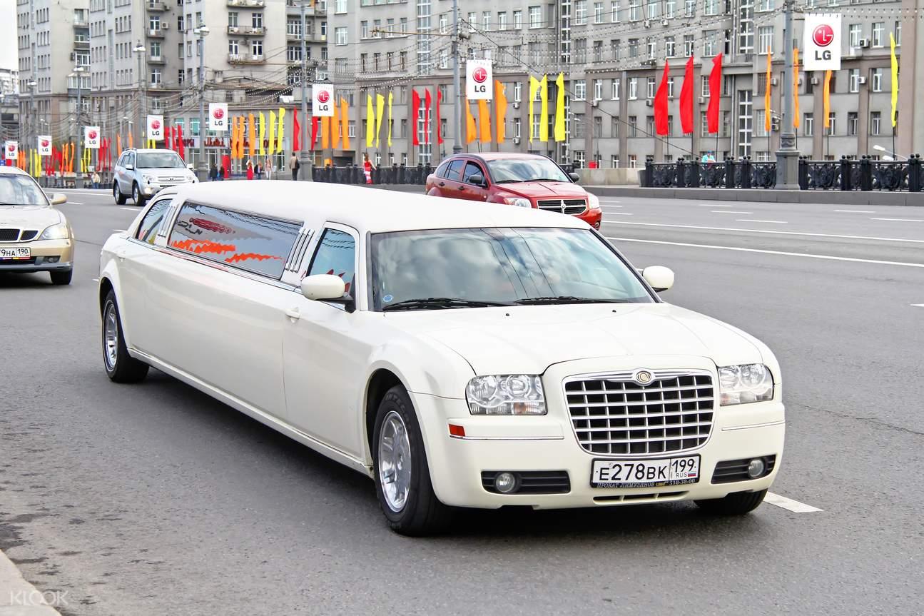 迪拜機場交通,迪拜加長豪華轎車,迪拜奢華體驗,前往迪拜機場,迪拜機場至市區