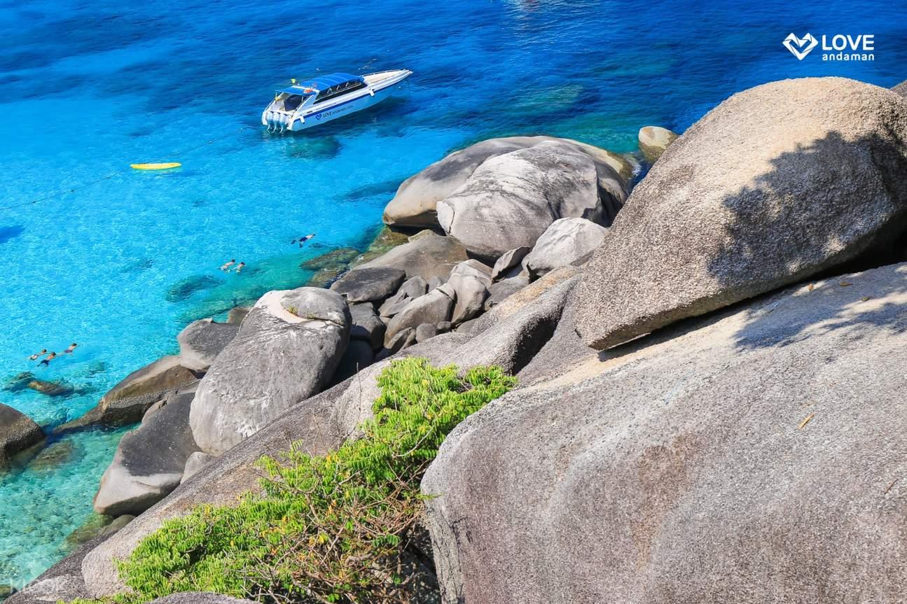 斯米兰群岛清澈海水