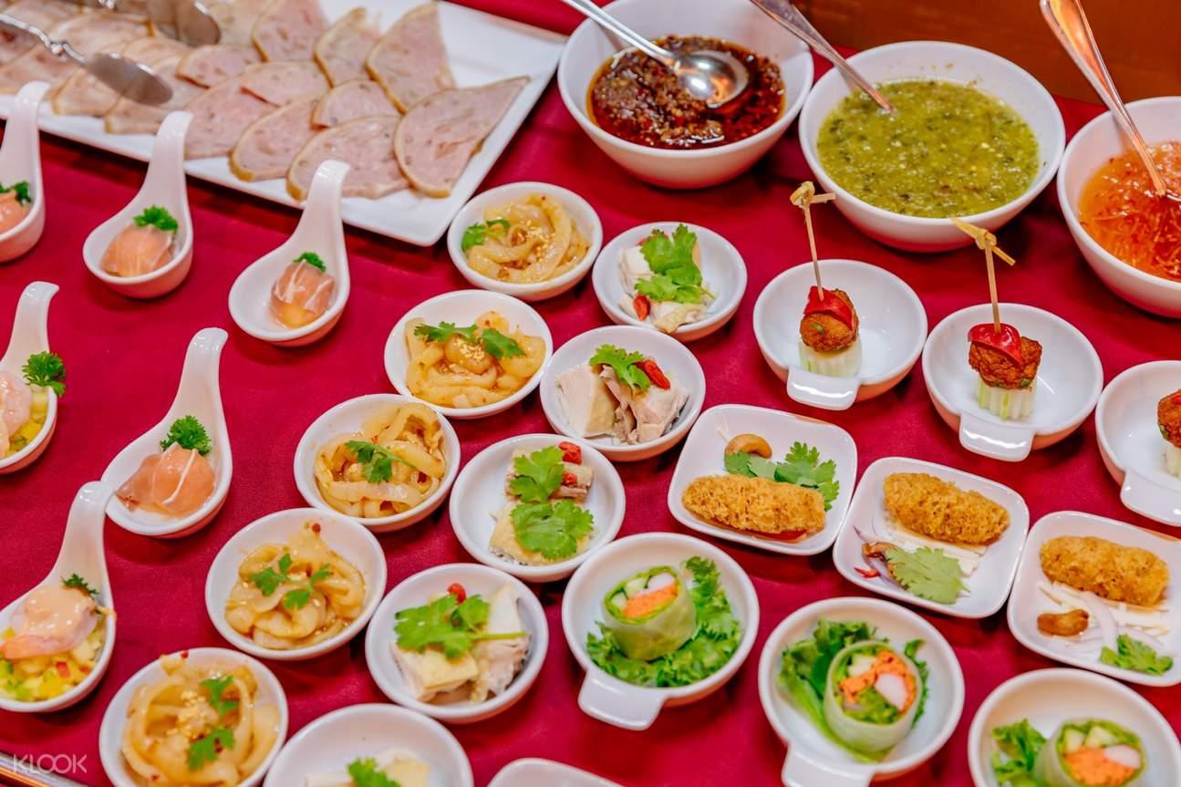 desserts at stella palace restaurant baiyoke sky hotel