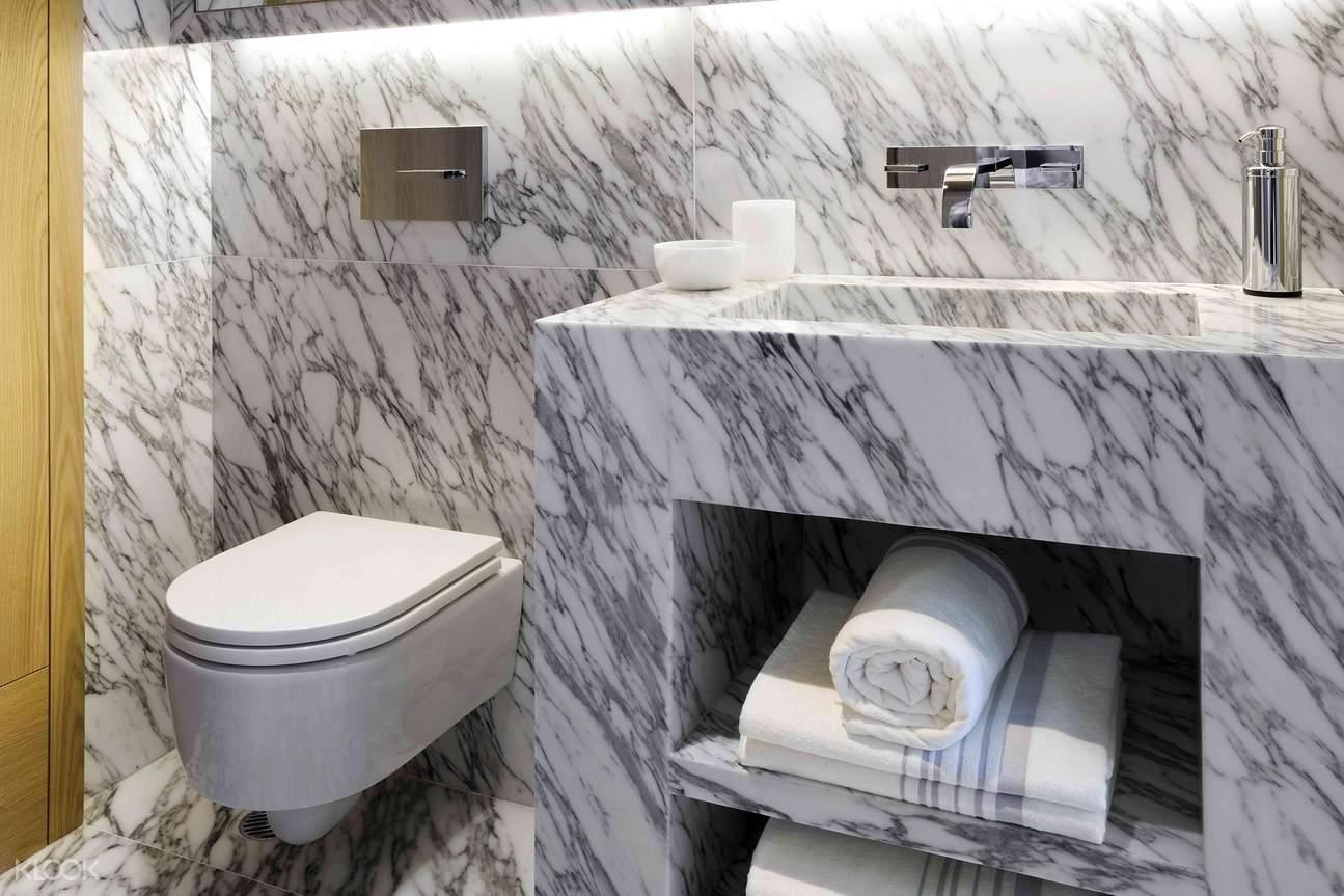 一房套房 - 大理石設計衛生間