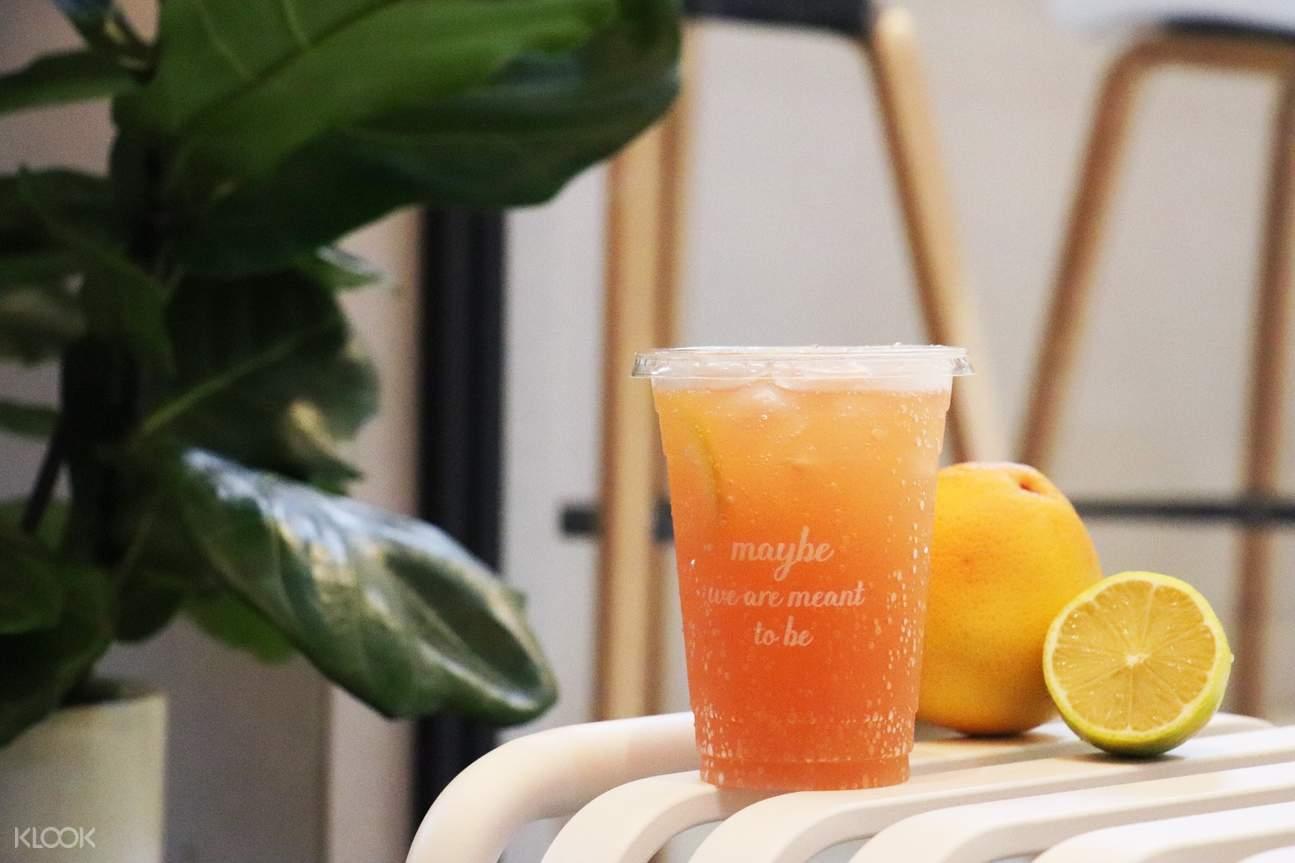 grapefruit soda at maybe juice da'an district taipei