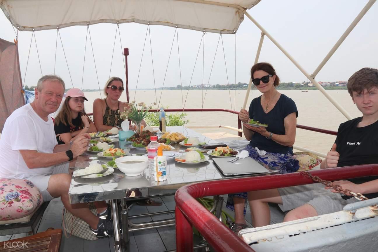 people enjoying meal at mekong tara prince