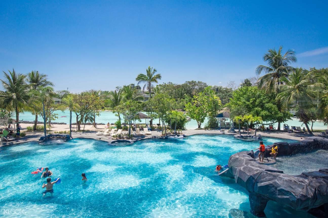 pool in plantation bay