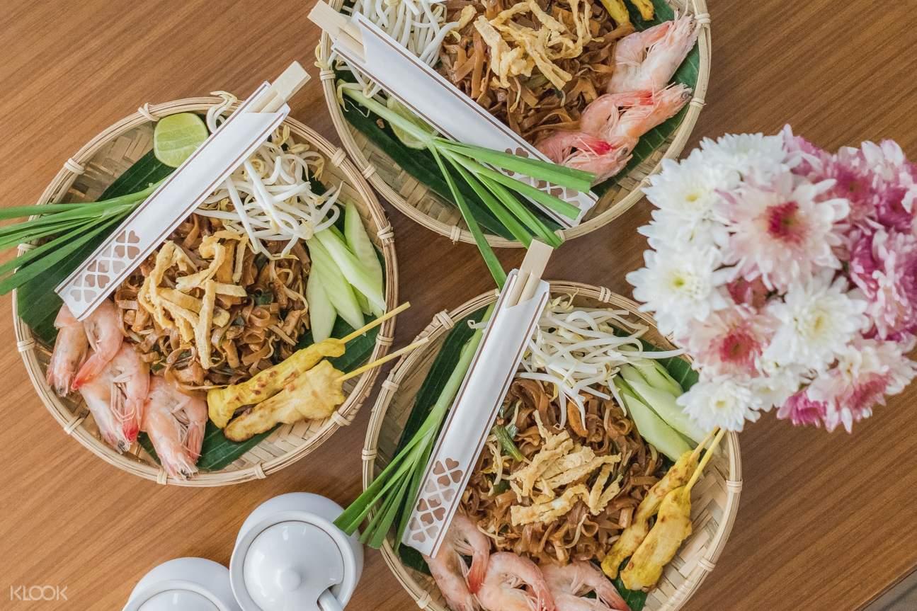 อาหารไทยต้นตำรับบนเรือสำราญ