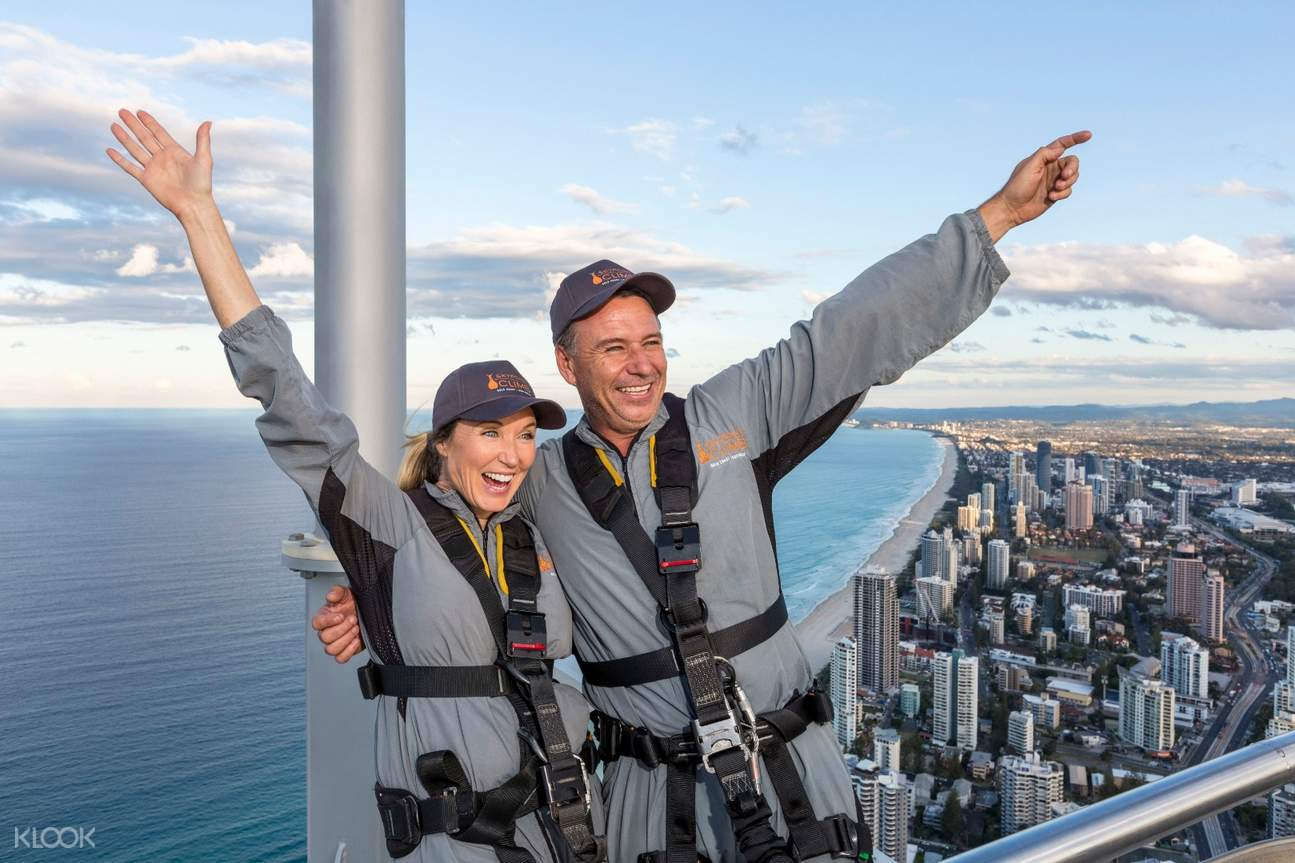 couple on skypoint