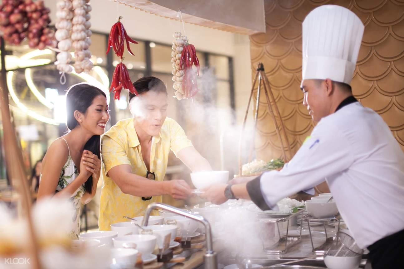 buffet at vinoasis phu quoc