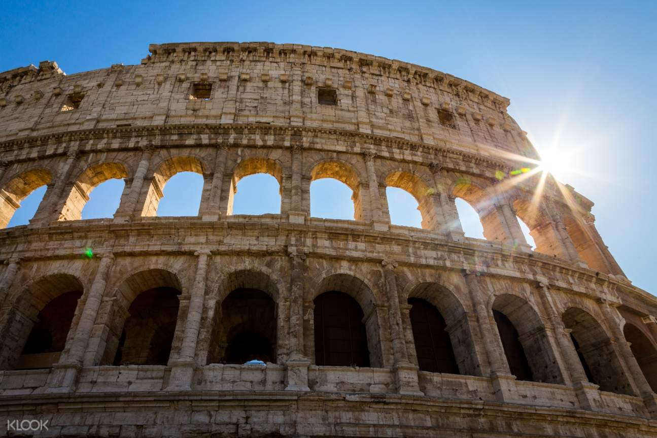 ruins of rome's colosseum