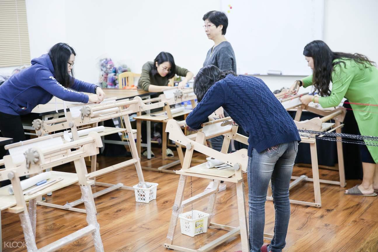 台北織布機手織圍巾體驗