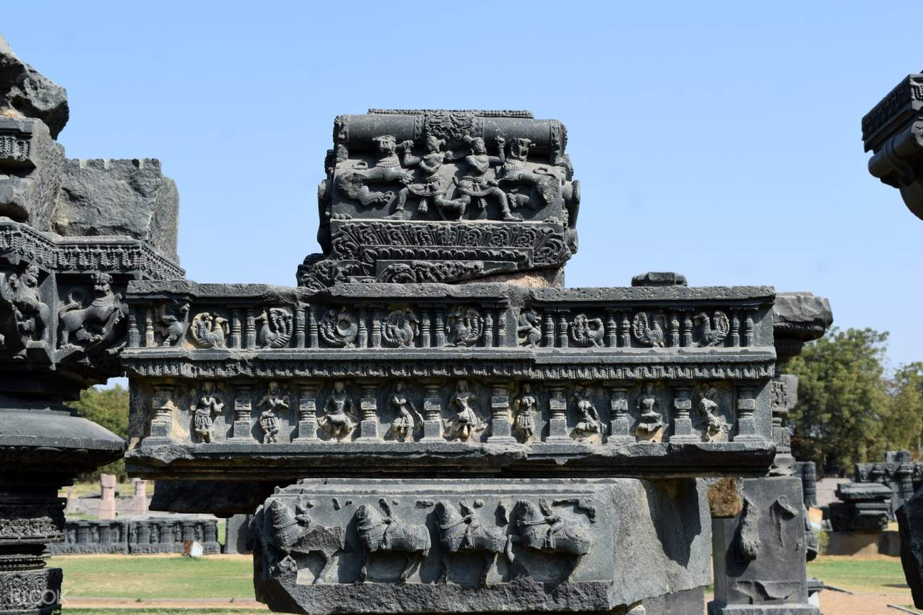 Warangal fort is a part of the fort where the ruins of an ancient Shiva temple are kept