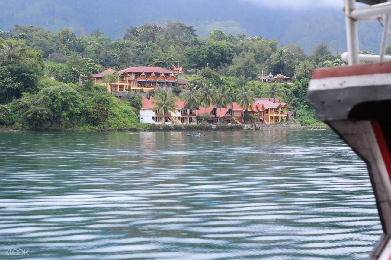 Samosir Island tour by boat