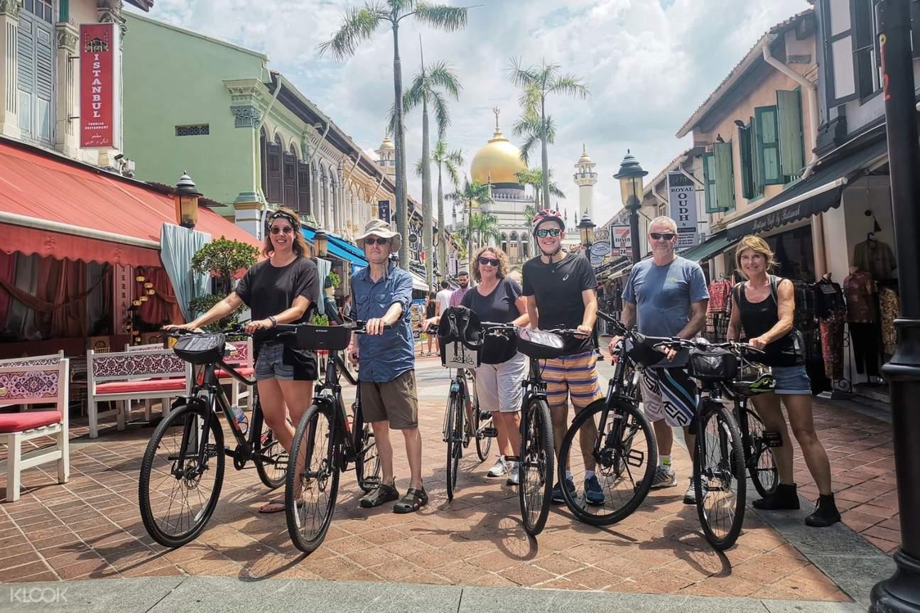 bike tour in chinatown